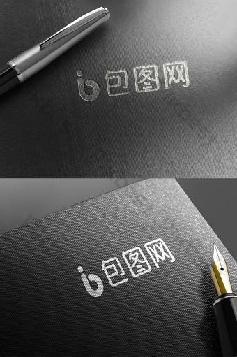 pluma estilográfica cartulina negra textura logo plateado efecto pegatina maqueta Modelo PSD