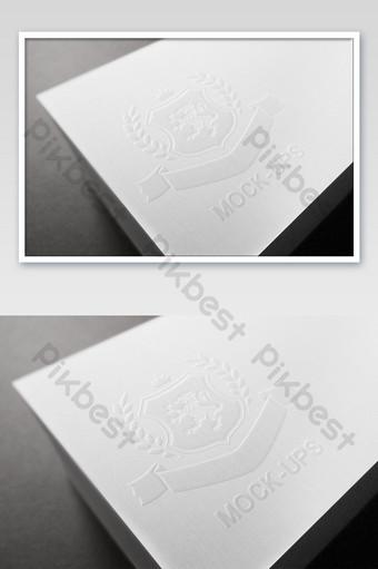 Carte de visite de route à rayures verticales maquette de logo de mot en relief Modèle PSD