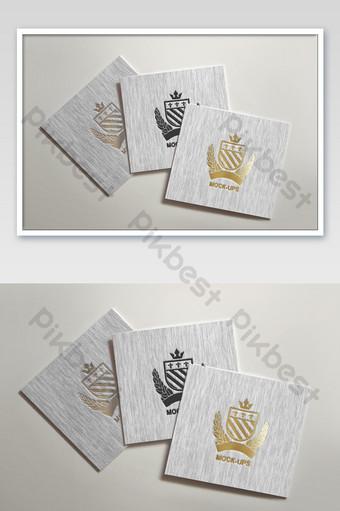 Maquette de logo de gravure et d'impression de carte texturée à rayures blanches Modèle PSD