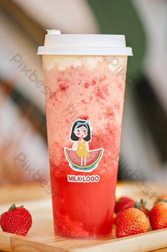 fruta fresca bebida de fresa bebida gourmet leche té tienda maqueta de empaque Modelo PSD