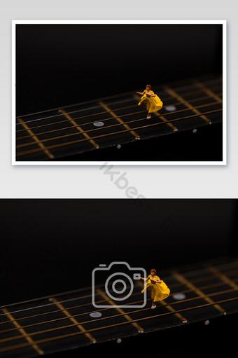 أسود الغيتار الموسيقى الرقص الصور الإبداعية التصوير قالب JPG