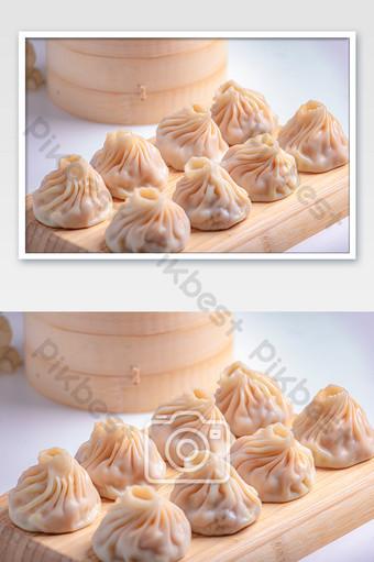 Fancy Buns Sarapan Hidangan Makanan Hari Musim Panas Fotografi Templat JPG